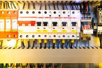 image interim Électricité, énergie, électronique - Electricien / Electricienne d'équipements industriels